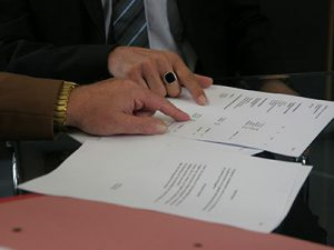 lectura contrato traductor juridico