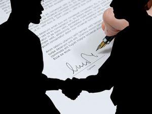 firma contrato traductor juridico