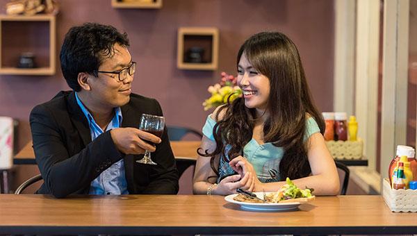 comer restaurante agencia traduccion